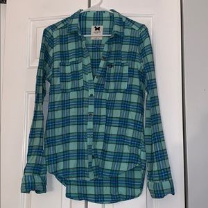 Gilly Hicks button down flannel